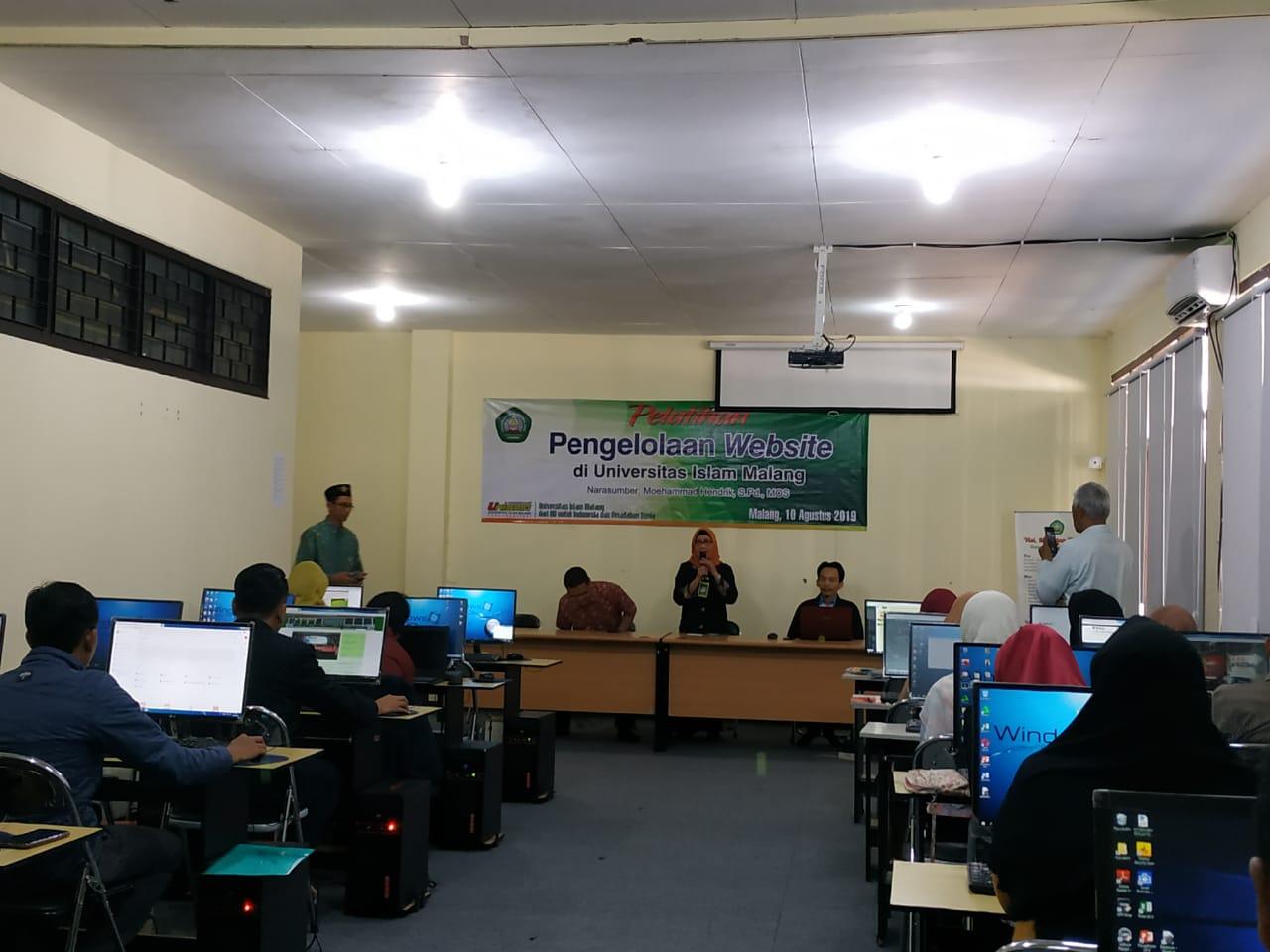 Program Pelatihan Pengelolaan Website di Lingkungan UNISMA